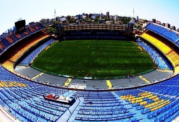 La bombonera primer estadio neuroprotegido del mundo futbol for Puerta 20 estadio racing
