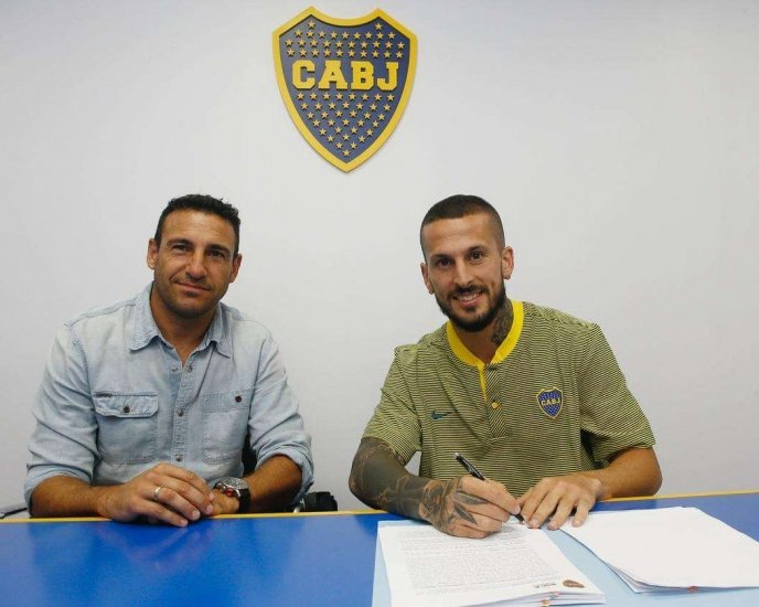 Benedetto sigue en Boca